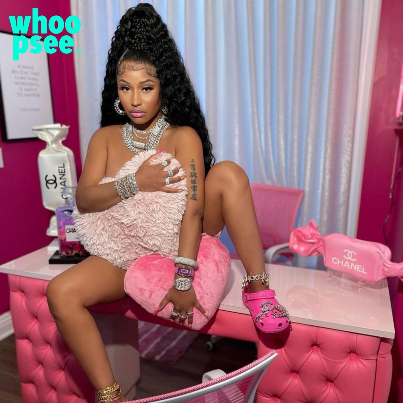 Nicki Minaj con le Crocs